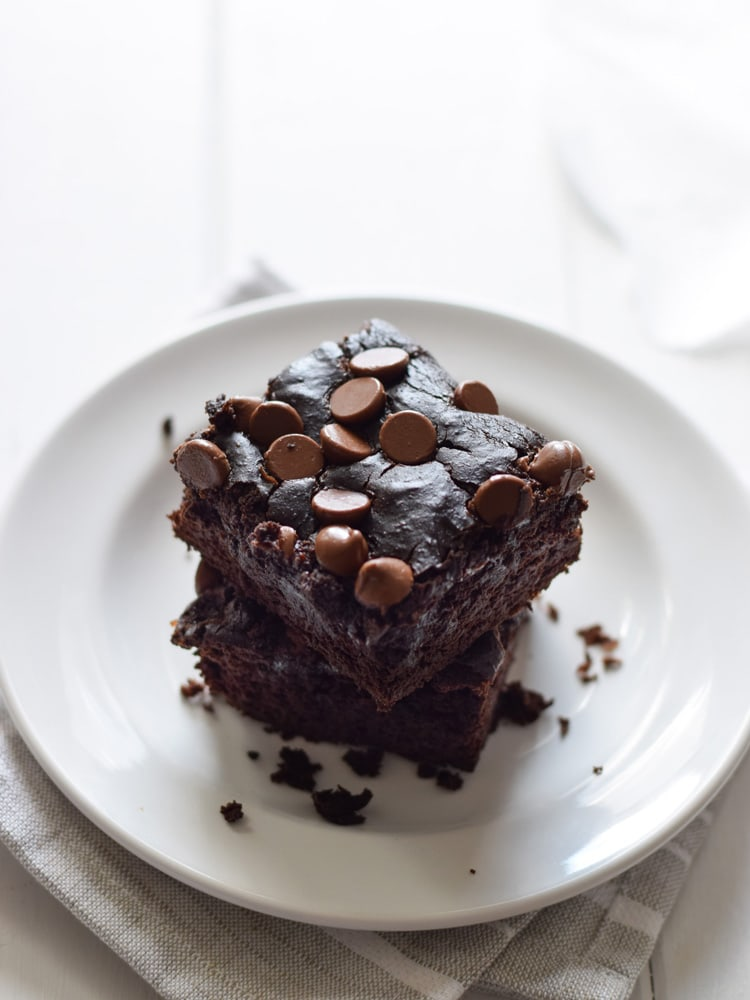 Black Bean Brownies topped with chocolate chips.