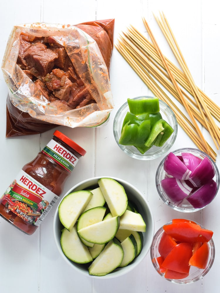 Made with marinated sirloin steak and delicious vegetables, these Easy Beef Steak Skewers are the perfect low carb appetizer or healthy dinner!