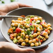 This Mexican Chickpea Salad recipe is fresh, easy to make and packed with healthy ingredients. Ready in only 15 minutes! (gluten free, vegetarian, vegan)