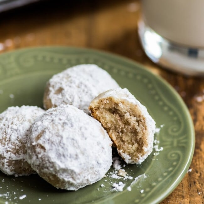 These Mexican Wedding Cookies (also known as polvorones) are rich, buttery and crumbly cookies made from pecans that melt in your mouth and are absolutely irresistible!