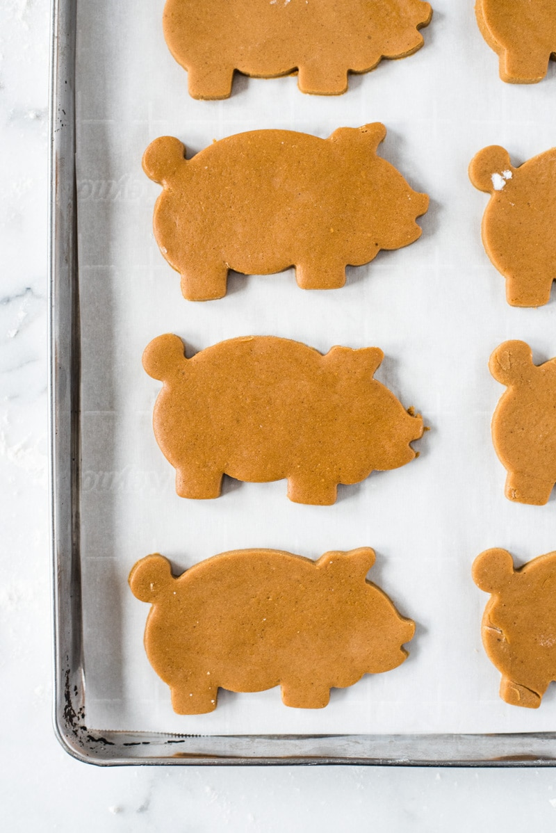 Marranitos (Mexican Gingerbread Pigs) are a pan dulce, or sweet bread, flavored with molasses and commonly found in Mexican bakeries. Best served with a cup of milk or coffee and eaten on weekend mornings!